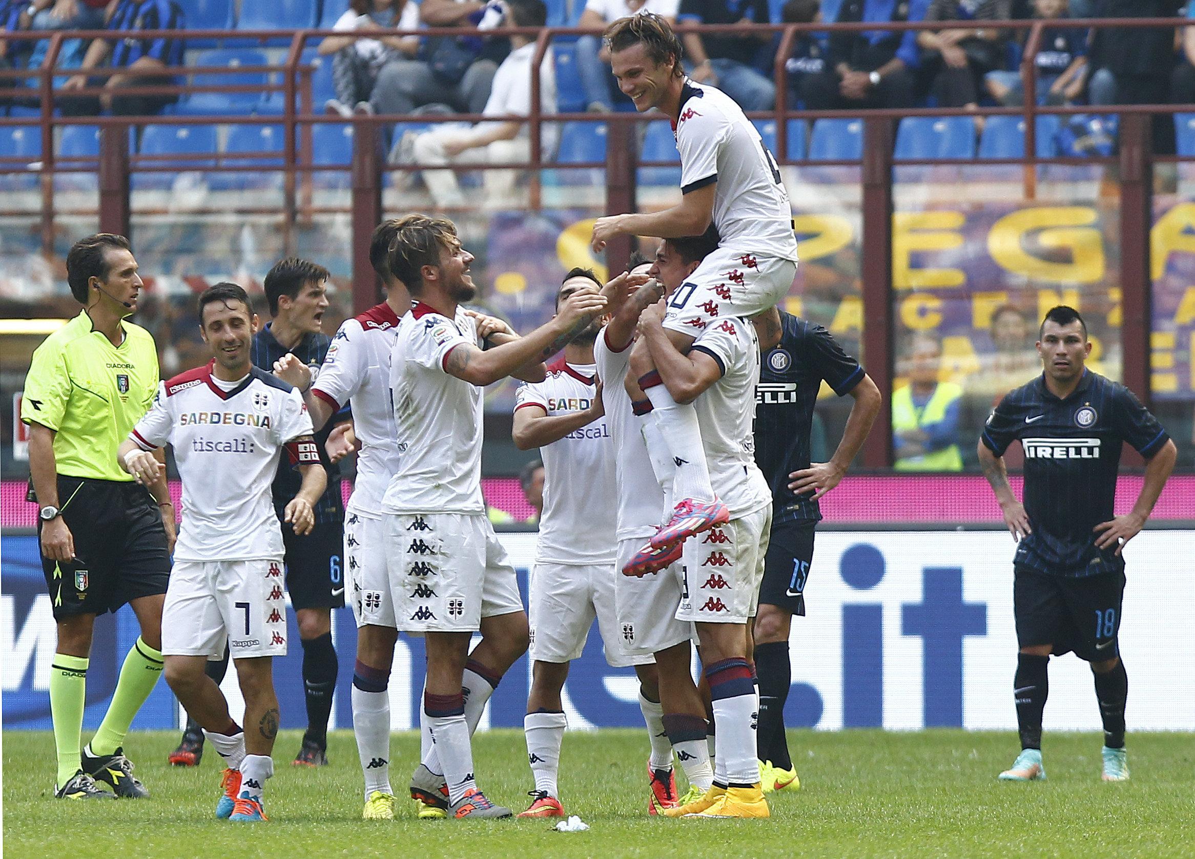 Serie A Diretta E Risultati Show Del Cagliari 1 4 Allinter Pareggiano Milan E Fiorentina