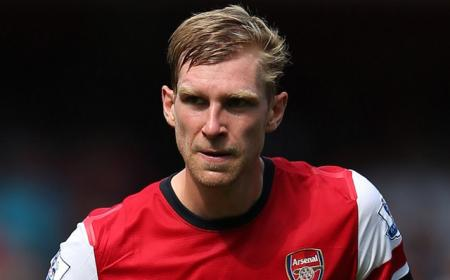 Mertesacker futaa com