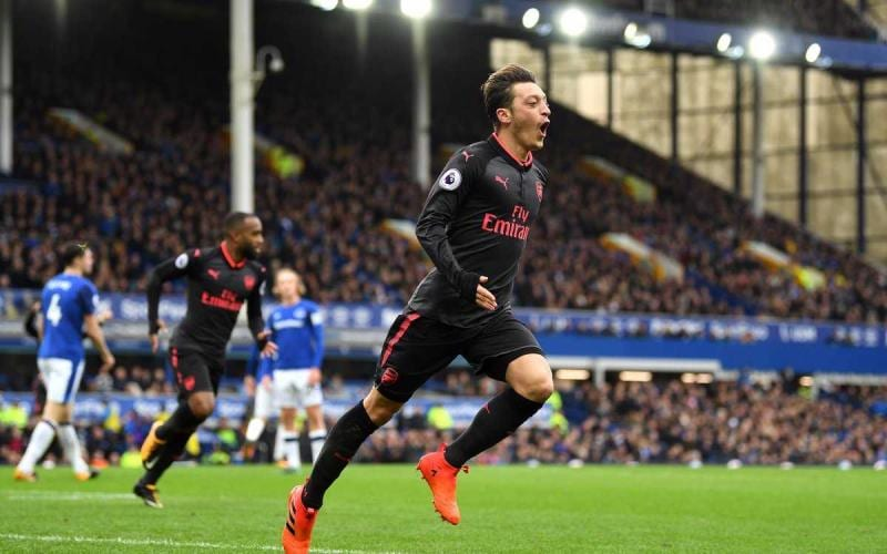 Ozil Arsenal vs Everton Foto Arsenal Twitter