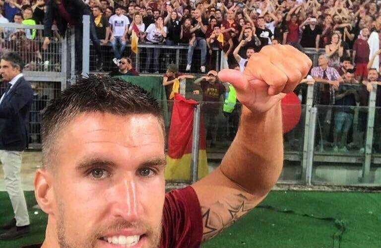 Facebook uff Strootman