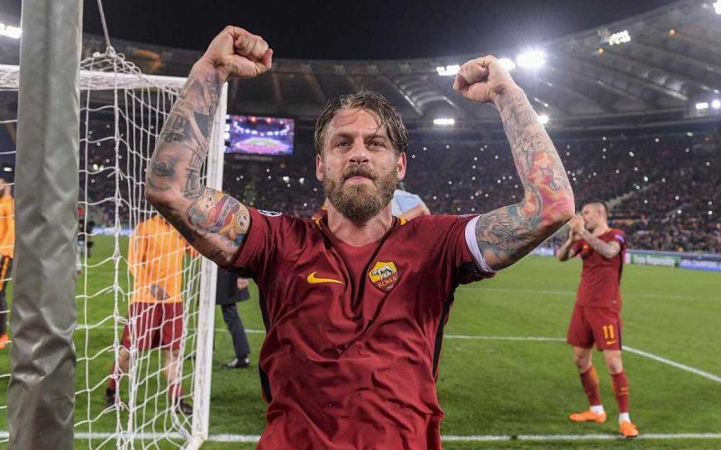 De Rossi vs Barcellona Foto Roma Twitter