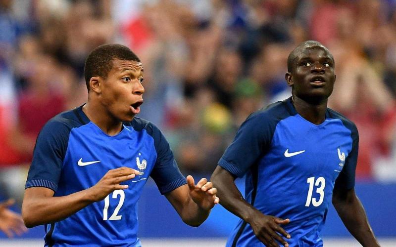 Mbappé e Kanté Nazionale Foto Evening Standard