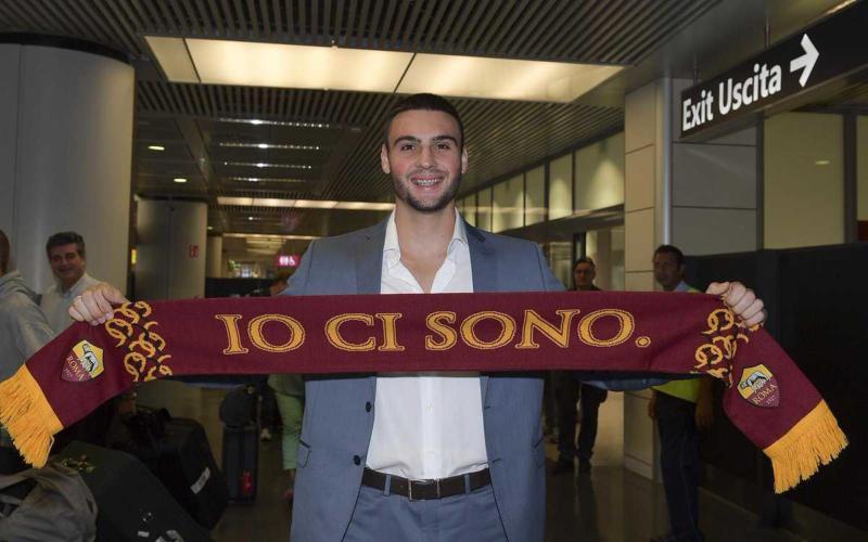 Fuzato Daniel arriva Fiumicino sciarpa Roma Twitter