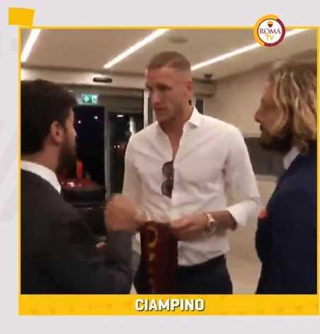 Olsen arrivo Roma Twitter