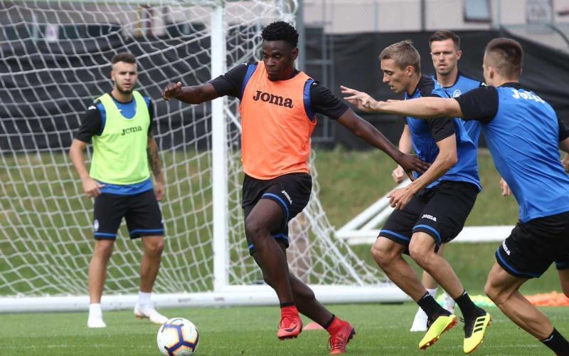 Zapata training Atalanta Twitter