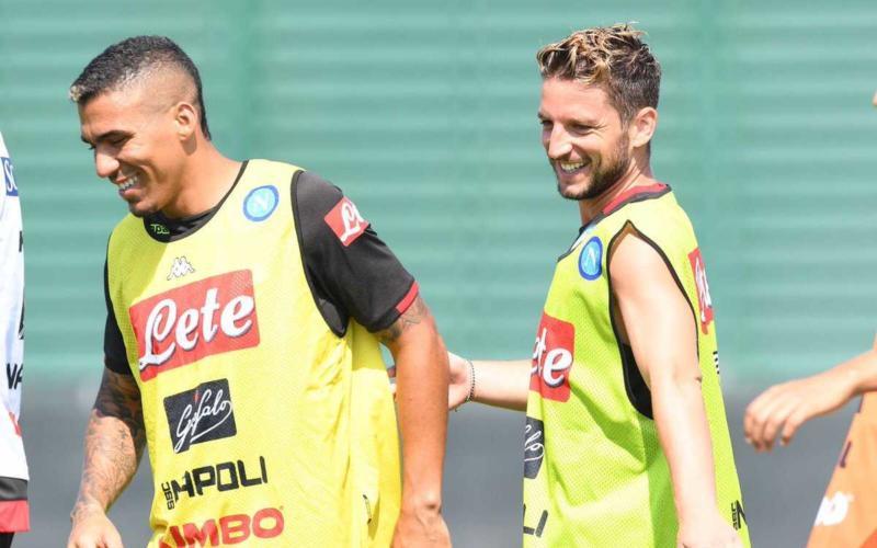 Allan e Mertens Napoli Twitter