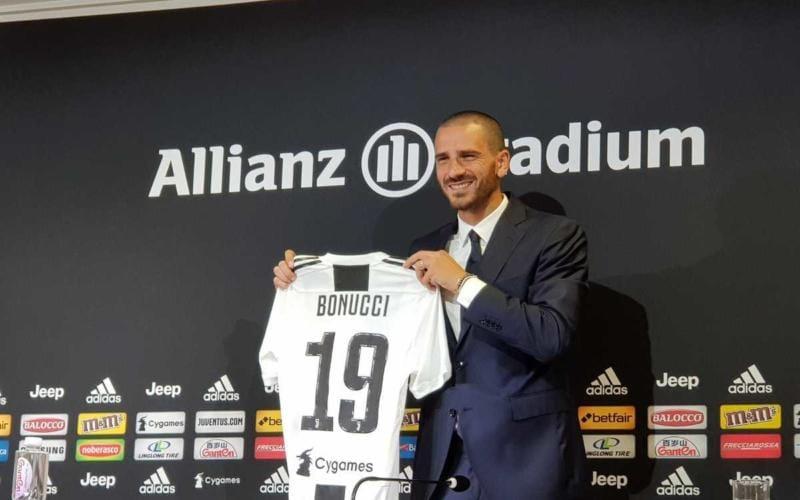 Bonucci Twitter uff Juve
