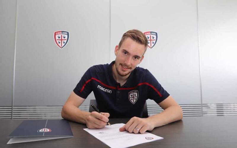 Bradaric firma Cagliari Twitter