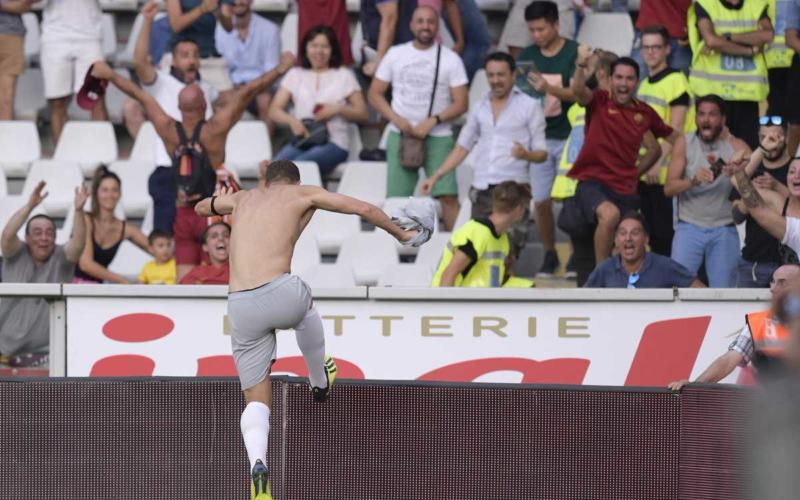 Dzeko esultanza vs Torino 18-19 Roma Twitter
