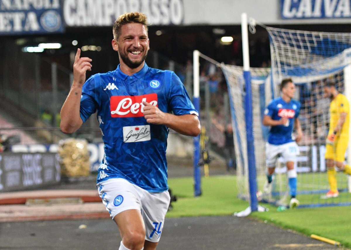 Mertens Raggiunge Cavani 104 Gol Con La Maglia Del Napoli