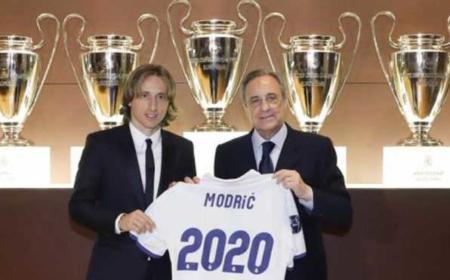 Modric e Florentino Perez Foto Marca