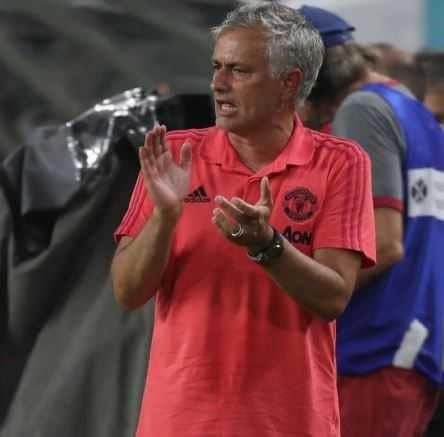 mourinho tw united