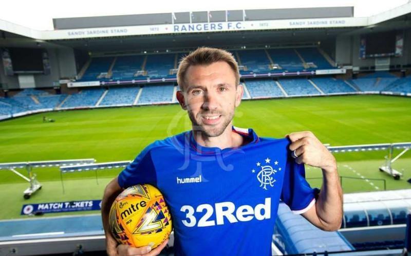 McAuley Gareth annuncio Rangers Glasgow Twitter