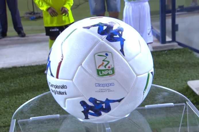 Pallone Serie B 18-19 DAZN