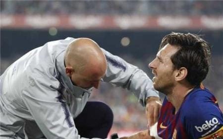 Messi infortunio braccio Foto Barcellona Twitter
