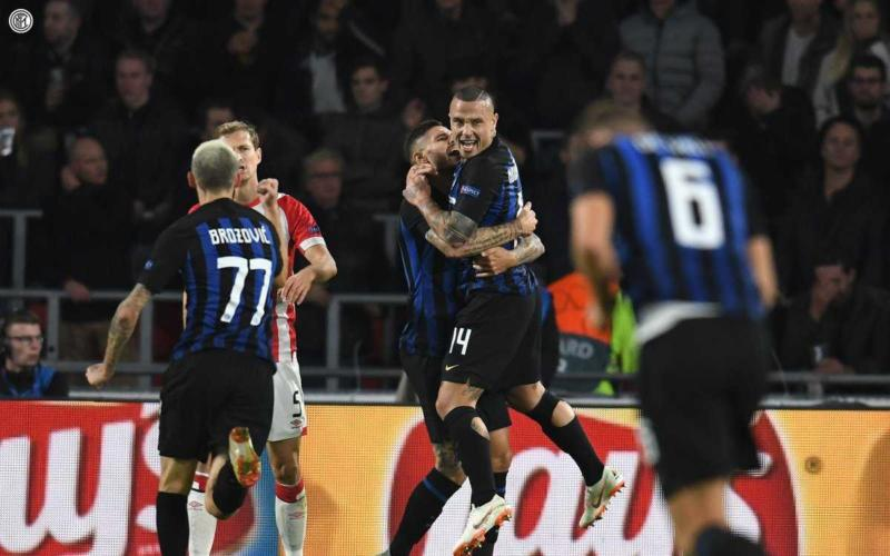 Nainggolan e Icardi esultanza vs PSV Foto Inter Twitter