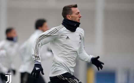 Bernardeschi training Juventus Twitter