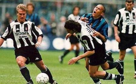 Ronaldo+ Iuliano Twitter Luca Leoni
