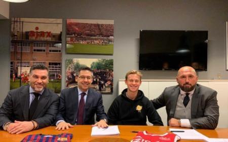 De Jong firma Barcellona Foto Sportitalia