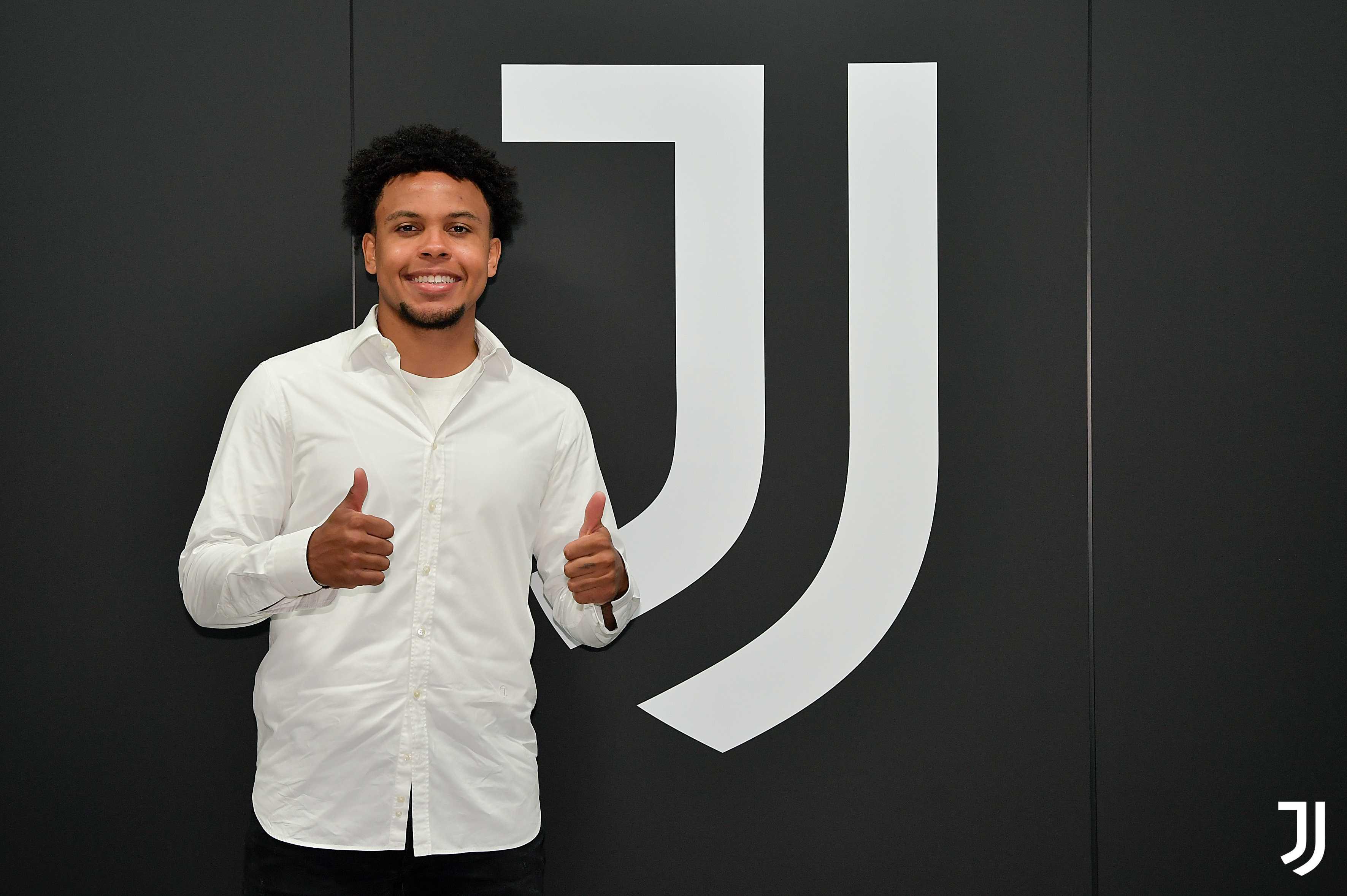 """McKennie si presenta alla Juve: """"Sono un mediano a tutto campo. Vorrei  essere un esempio per i giovani americani"""""""