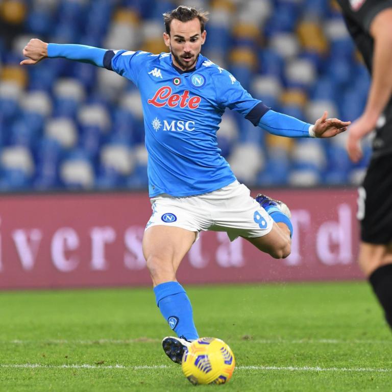Una prodezza di Fabian Ruiz e Insigne su rigore portano avanti il Napoli sul Bologna. All'intervallo è 2 0