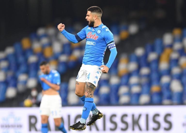 Fabian Ruiz e due rigori di Insigne: il Napoli domina e aggancia il Milan in vetta