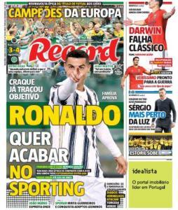 Ronaldo vuole lasciare la Juve: domenica a rischio la sfida a Messi