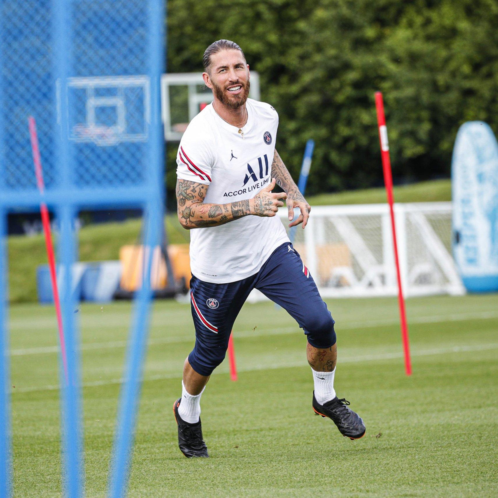 Sergio Ramos, primo giorno di allenamento al PSG. Il video ...