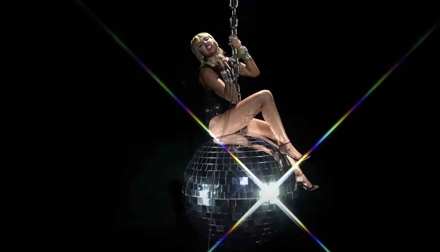 MTV VMA: da Miley Cyrus e Maluma ai BTS e Doja Cat, tutte le performance * Biccy.it