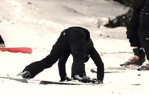 20121231-pictures-madonna-gstaad-skiing-switzerland-07