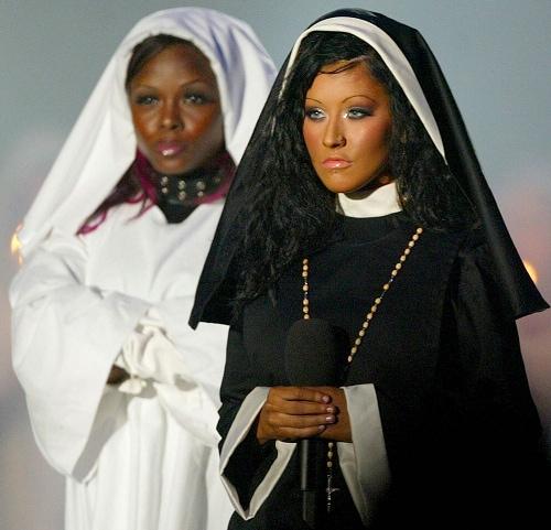 Christina Aguilera Suora