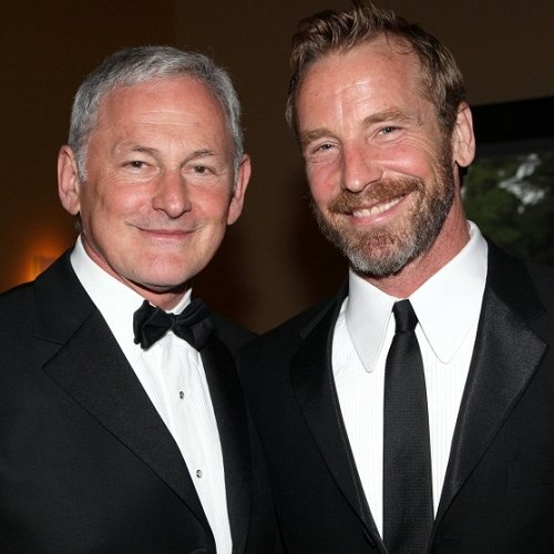 Titanic Actor 'Victor Garber' Confirms He is Gay.htm