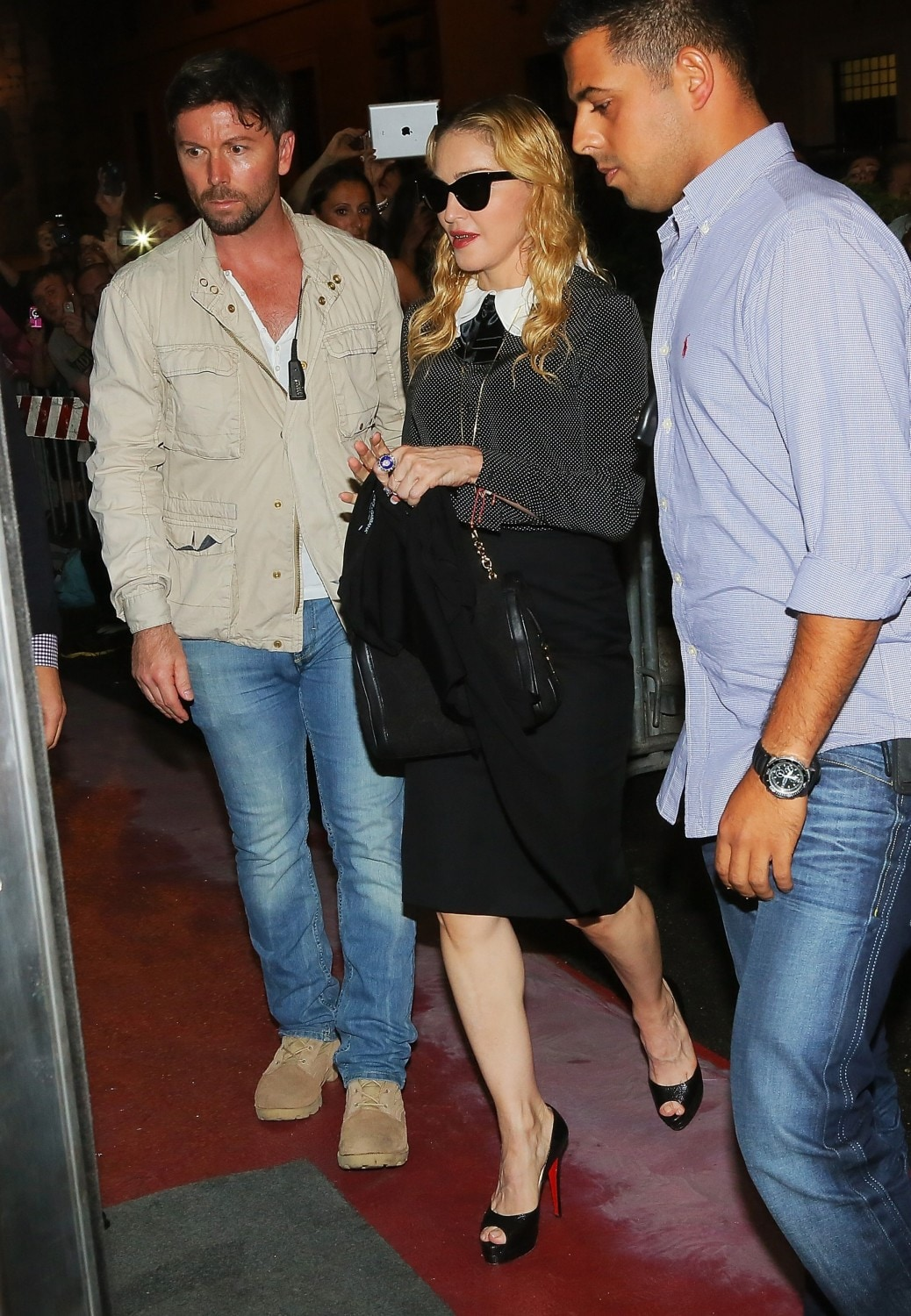 20130821-pictures-madonna-hard-candy-fitness-center-rome-03