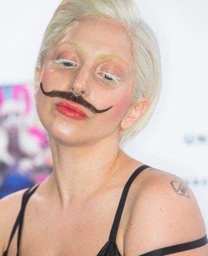 Lady Gaga Mustache Baffi (1)