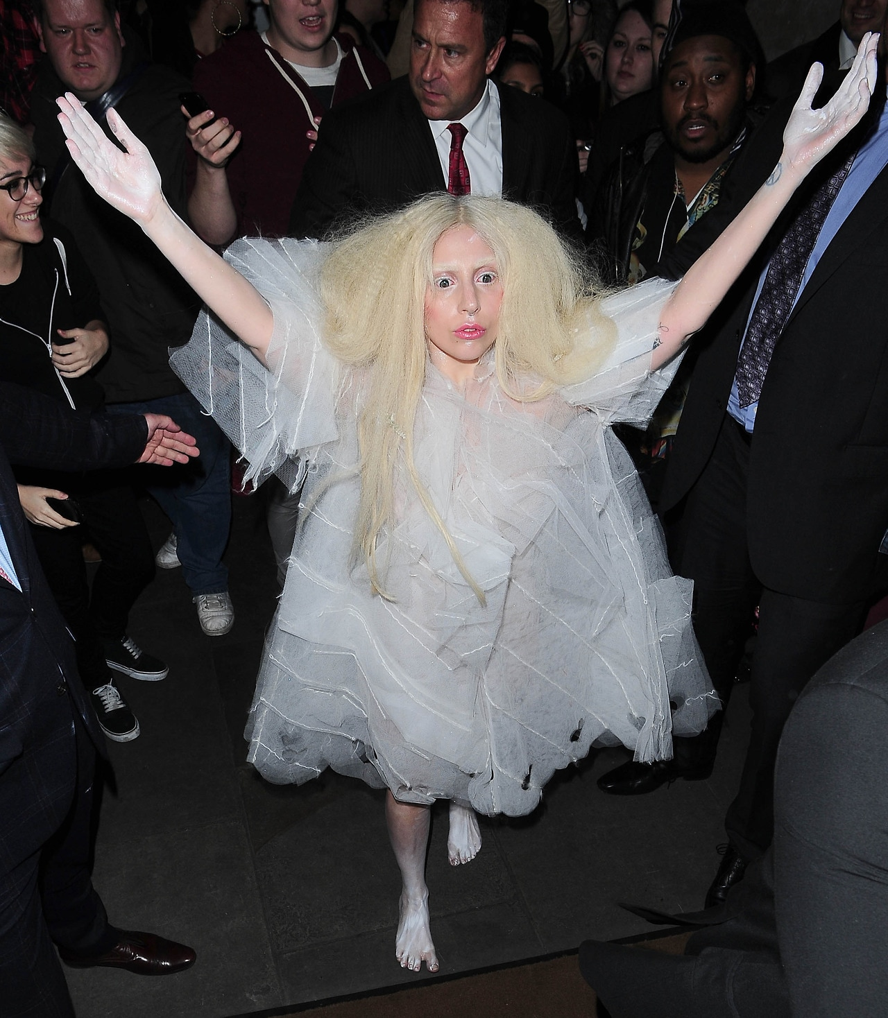 LADY GAGA ARRIVING IN LONDON