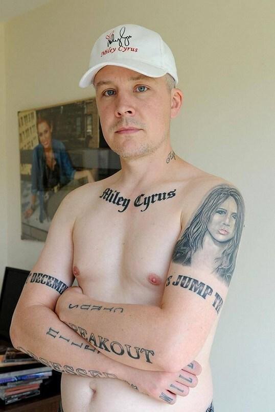 miley cyrus tattoo (2)