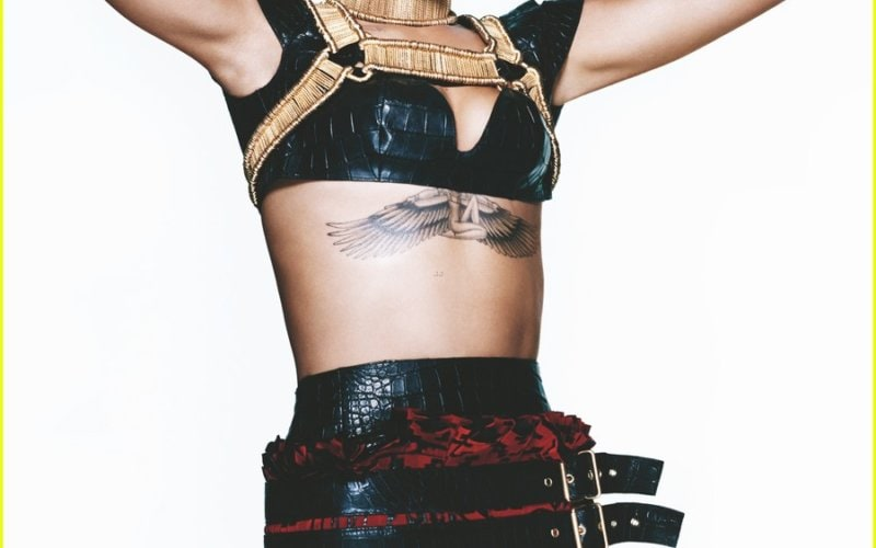 rihanna-covers-vogue-march-2014-third-cover-with-the-mag-02