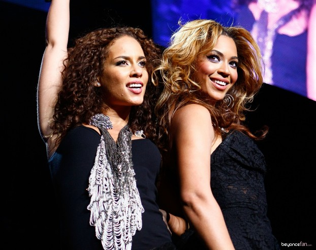 Beyonce-Performs-With-Alicia-Keys-At-Madison-Square-Garden-HQ-Photos-13-622x491