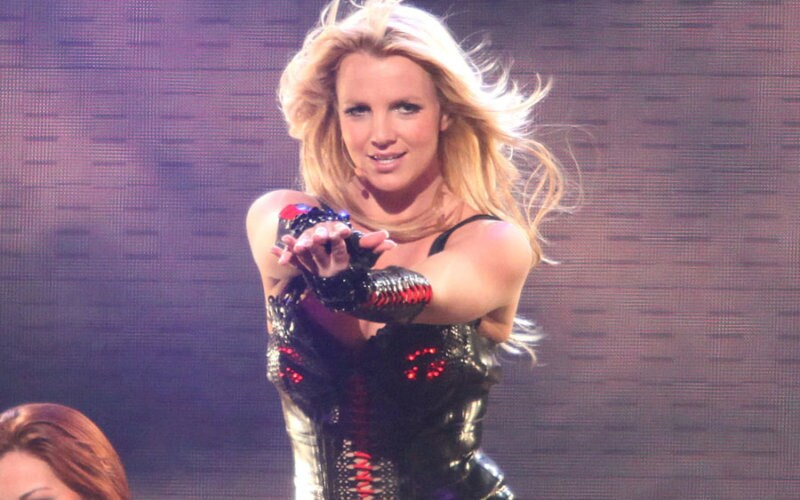 Britney-Spears-900-600