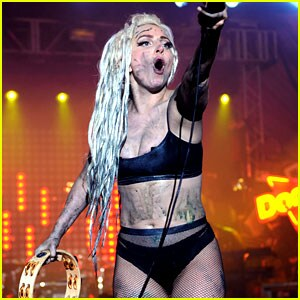 lady-gaga-gets-puked-on-at-sxsw-concert