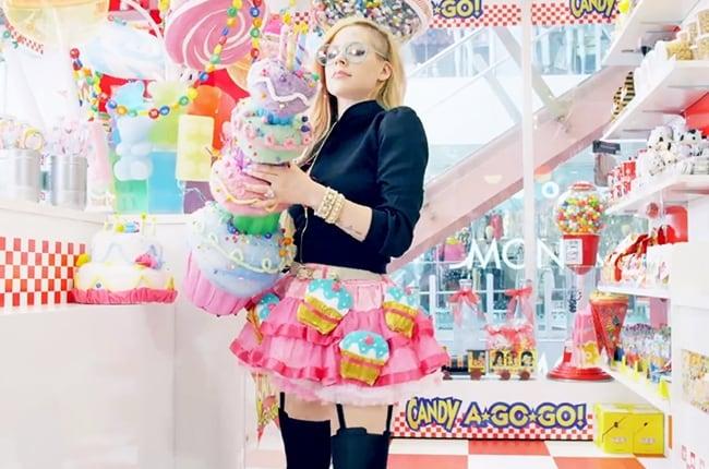 avril-lavigne-hello-kitty-video-billboard-650