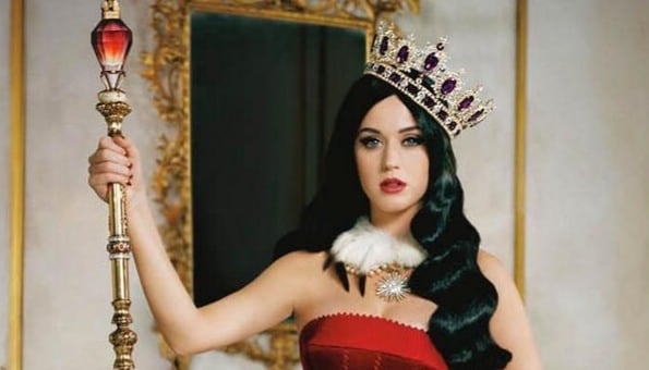 Katy-Perry-Killer-Queen-Twitter-tbv-072913