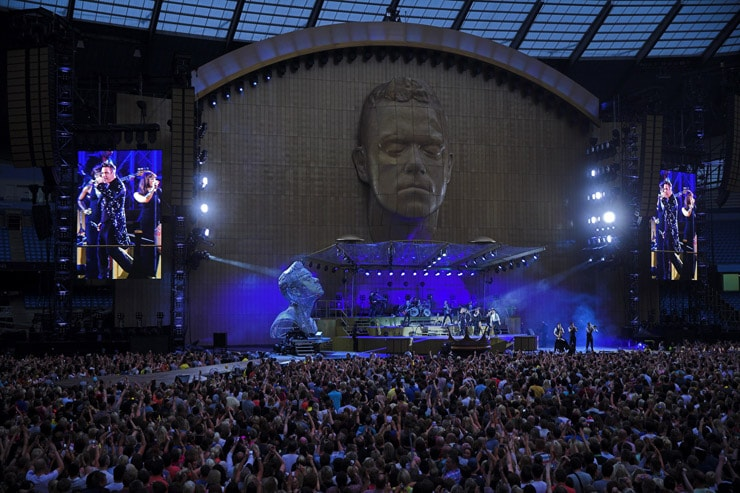 robbie williams falls cade concerto