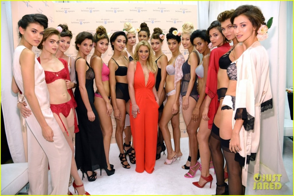 britney-spears-debuts-her-new-lingerie-line-during-nyfw-05