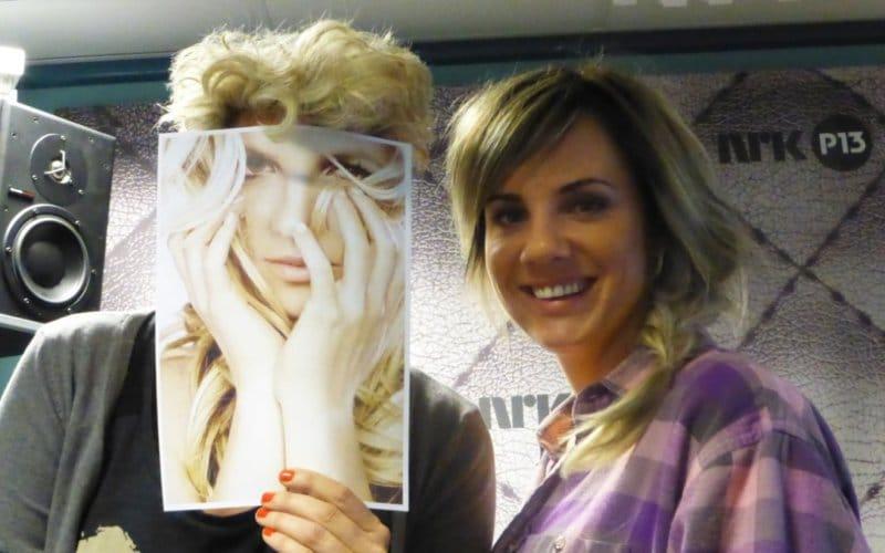2 Ina wroldsen Britney Spears femme fatale sing usa