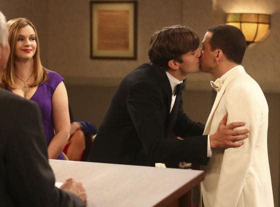 ashton and jon cryer kiss
