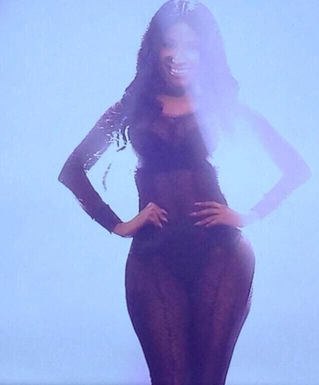 Nicki Minaj EMA 2014 (2)