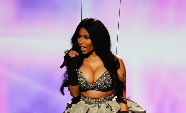 Nicki Minaj EMA 2014 (4)