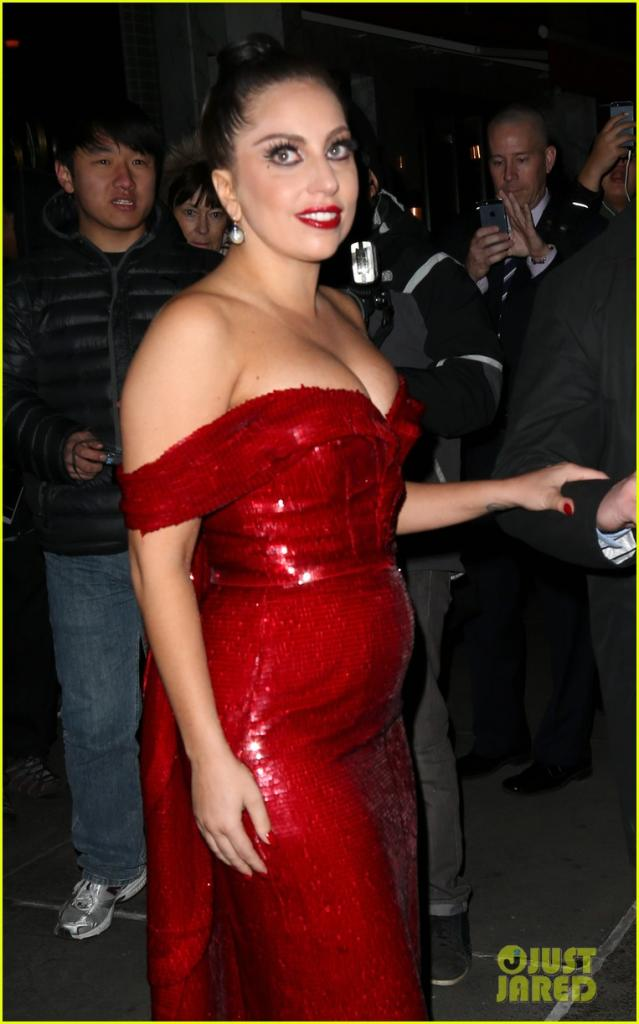 lady-gaga-jessica-rabbit-dress-16