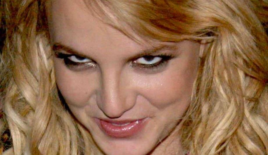 Britney troll neyde
